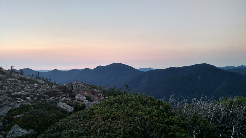 Dawn breaks at Bondcliff, 2.5 hours into the loop.
