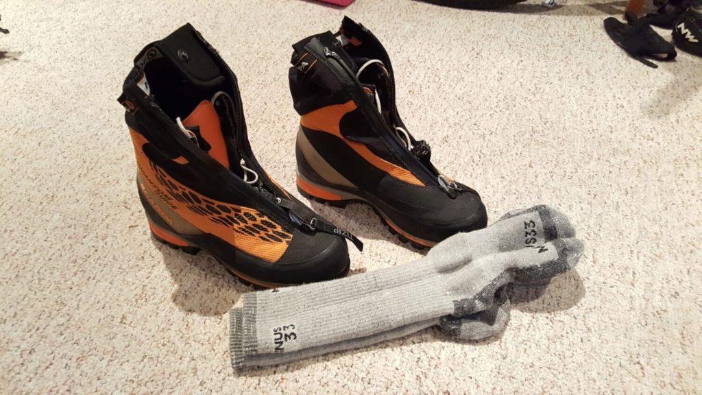 socks-1500x844